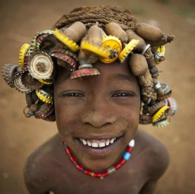 ethiopian-tribe-jewelry-bottle-caps