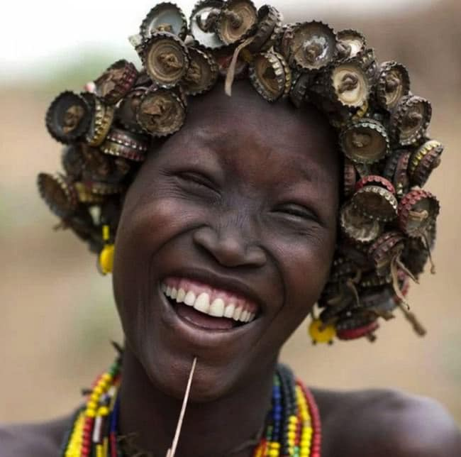 ethiopian-tribe-jewelry-laugh