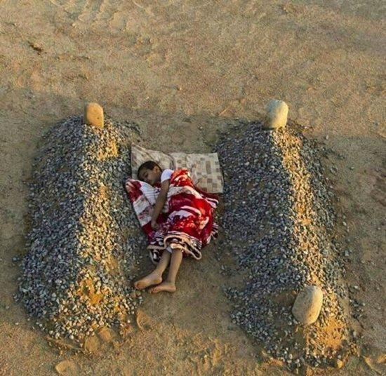 fake-viral-images-graves