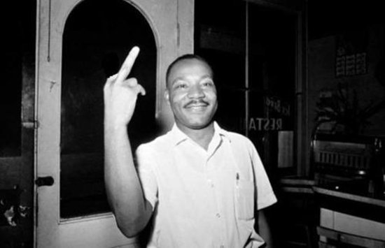 fake-viral-images-martin-luther-king