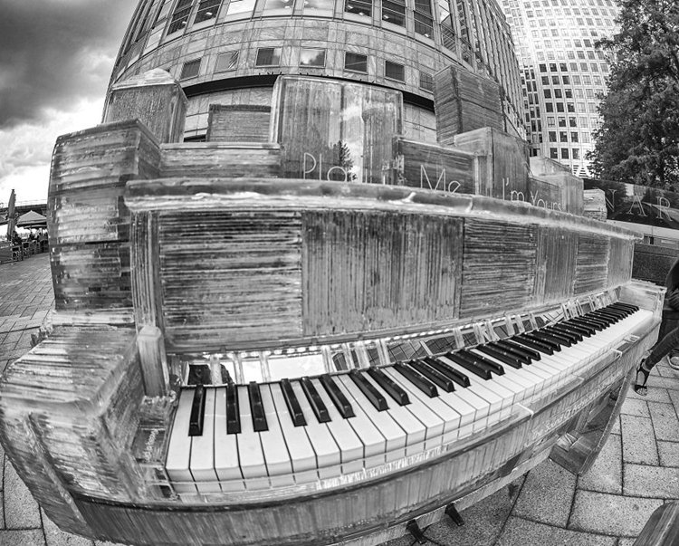 glass-piano-karlis-bogustovs-canary-wharf-black
