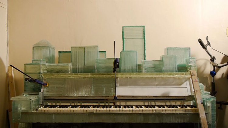 glass-piano-karlis-bogustovs-fix-glass-to-piano