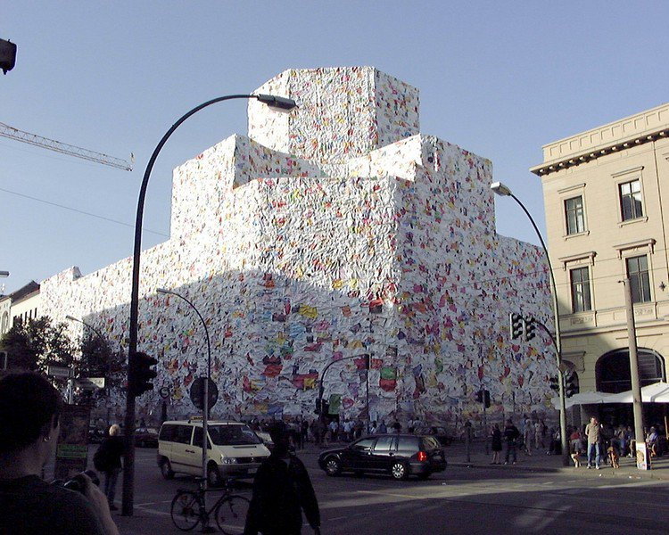 ha schult love letter building