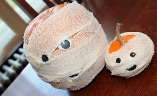 halloween-kids-crafts-mummy-pumpkins