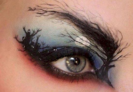 halloween-makeup-tree