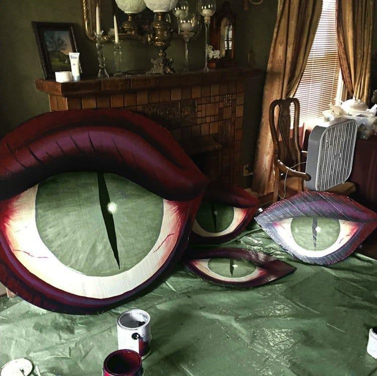 house-eyes