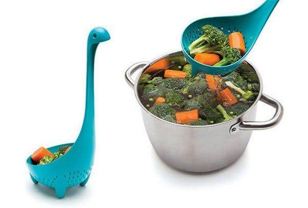 nessie mama colander spoon use