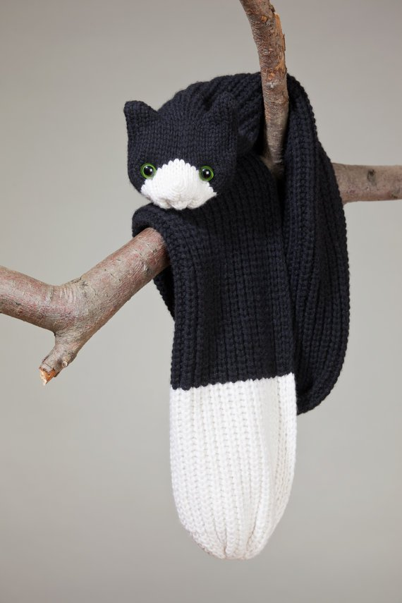 nina-fuhrer-scarf-cat