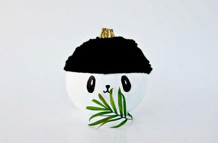 panda leaf face