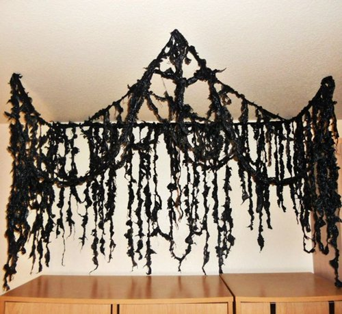11 awesome ways to turn garbage bags into halloween decorations - Halloween Ceiling Decorations