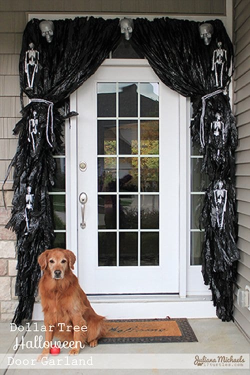 11 Awesome Ways To Turn Garbage Bags Into Halloween