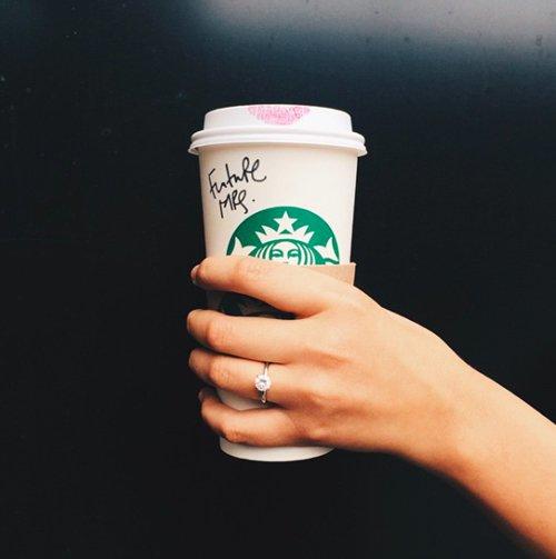 engagement-photos-coffee