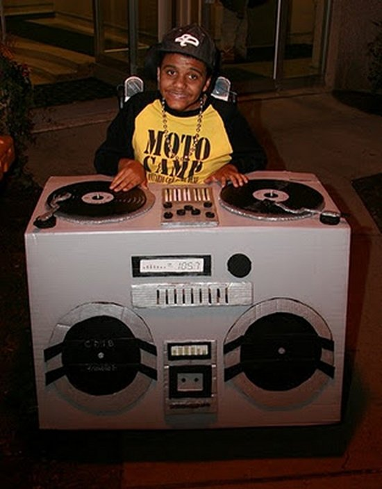halloween-costumes-wheelchairs-dj