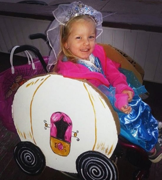 halloween-costumes-wheelchairs-pumpkin
