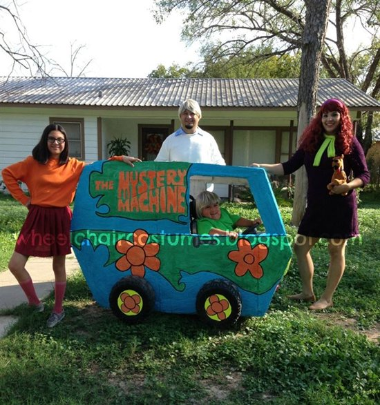 halloween-costumes-wheelchairs-scooby