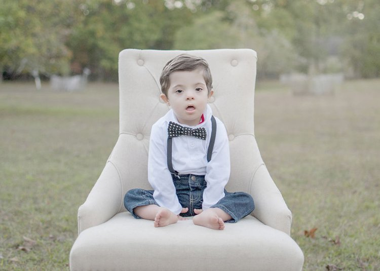 julie-wilson-down-syndrome-portraits-bow-tie