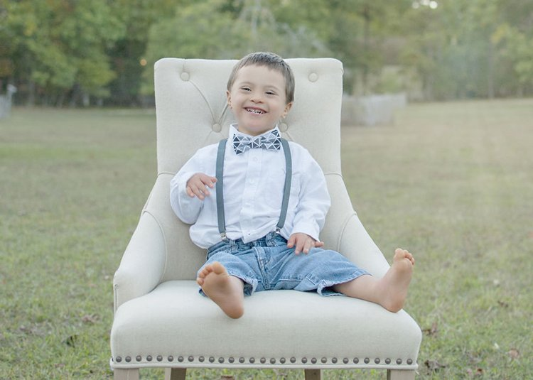 julie-wilson-down-syndrome-portraits-grin