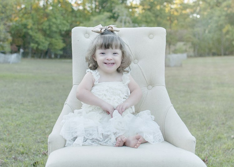 julie-wilson-down-syndrome-portraits-smile