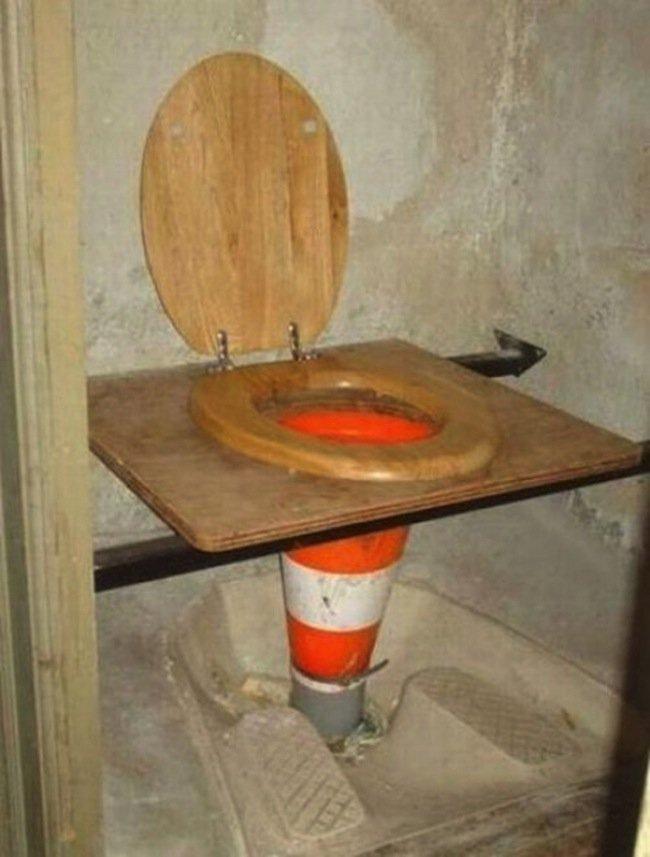 money-toilet