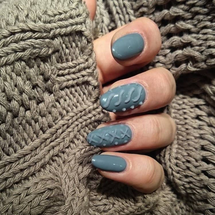 nails-grey-two