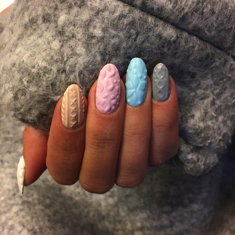 nails-pale