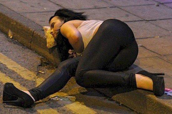 pizza pillow girl