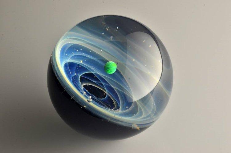 satoshi-tomizu-space-glass-a-planet