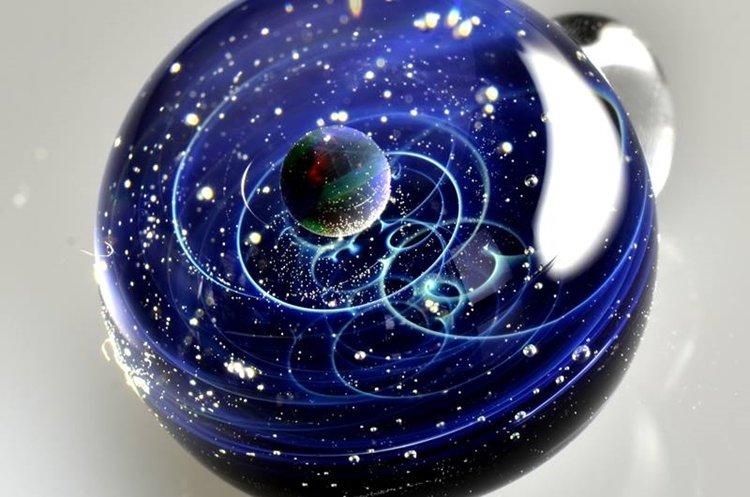 satoshi-tomizu-space-glass-pendant