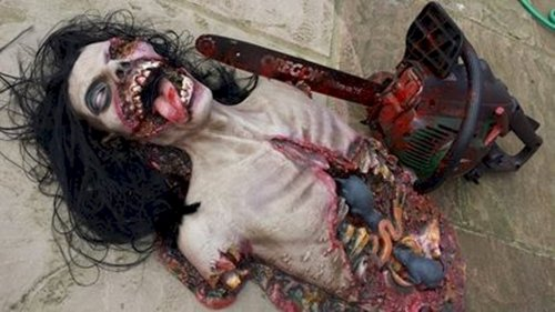 scary-decorations-chainsaw