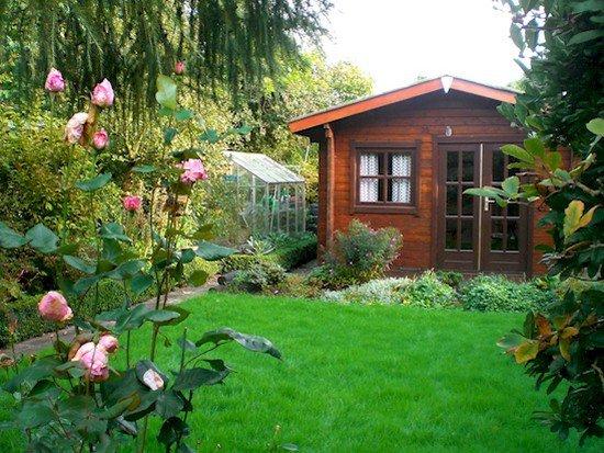 tiny wooden house gardens