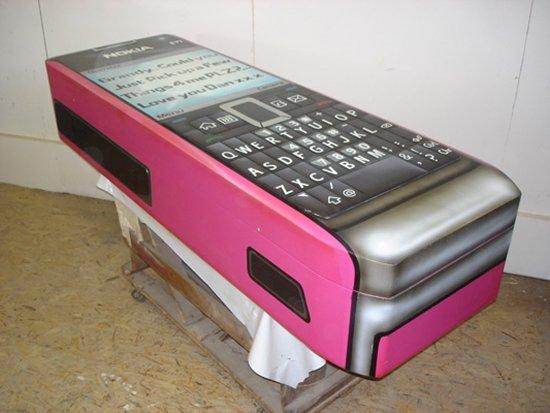weird-coffins-phone