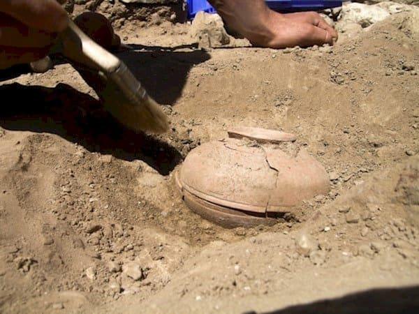 clay pot ground