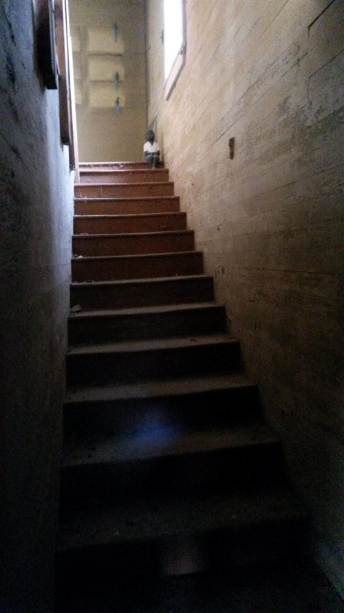 creepy-photos-stairs