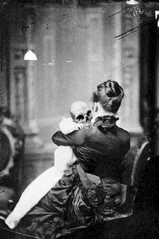 creepy-vintage-photos-baby