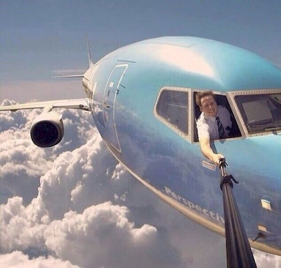 fake-viral-pictures-plane