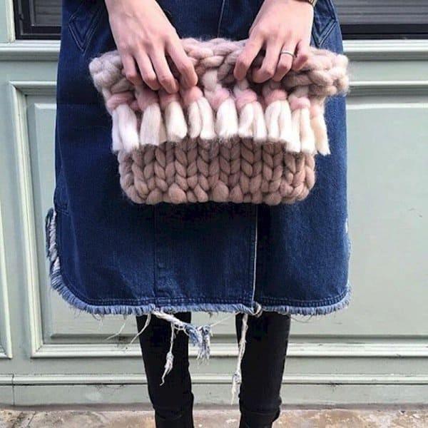 knit-clutch
