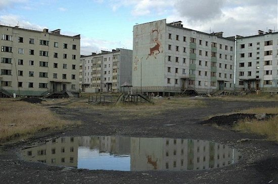 14 Modern Ghost Towns That Will Creep You Out