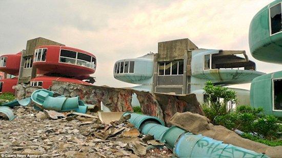 modern ghost towns sanzhi