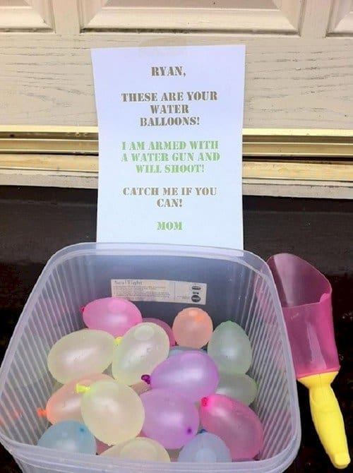 mom water balloons