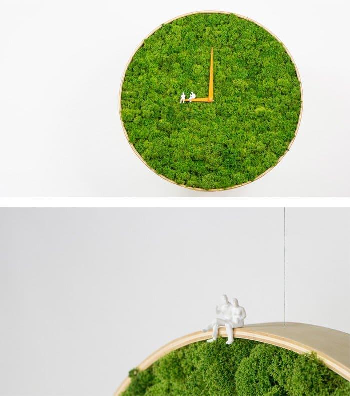 moss-clock
