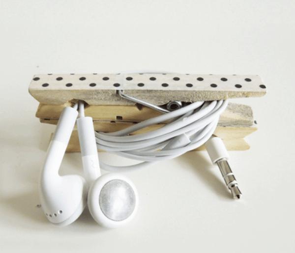 pegs-headphone