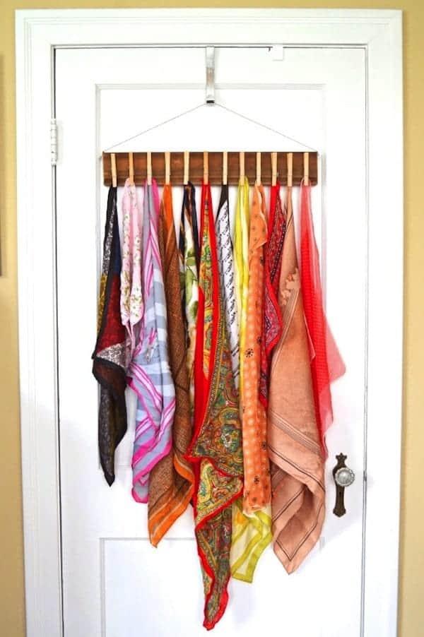 pegs-scarves