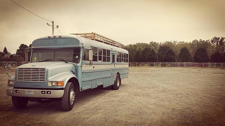 school-bus-dream-home-motor-patrick-schmidt-bottom