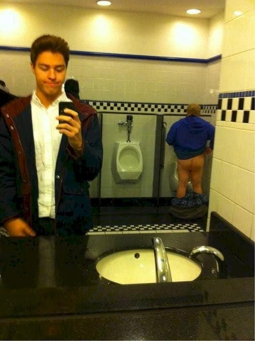 selfie-fail-urinal
