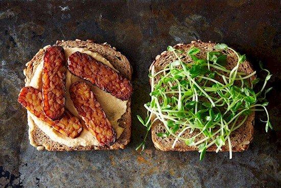 tempeh hummus sandwich