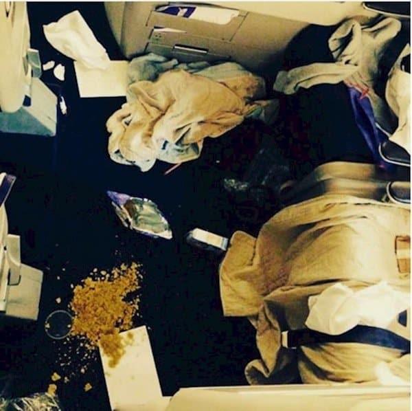 travel-mess