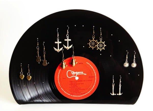vinyl-earrings-holder