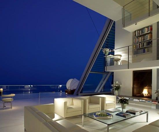 Weird-Wonderful-Room-Designs-sliding-wall