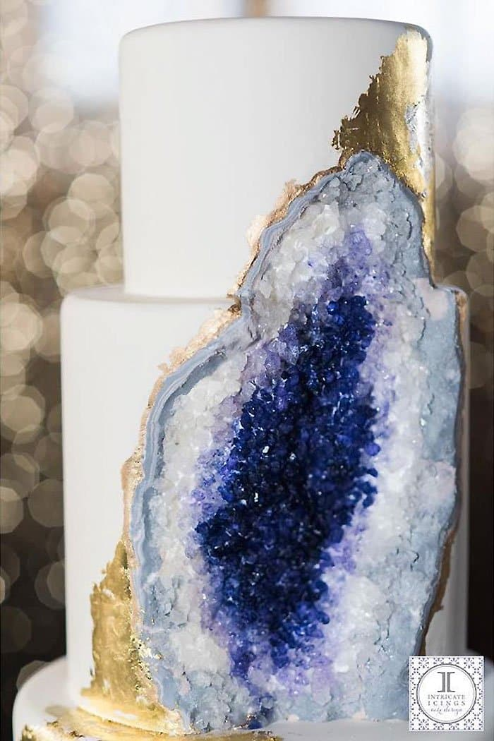 amethyst-wedding-cake-geode-intricate-icings-close