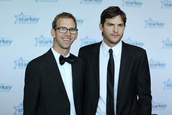 ashton kutcher with brother